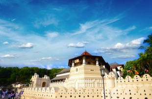 The Temple of the Tooth in Kandy  copy