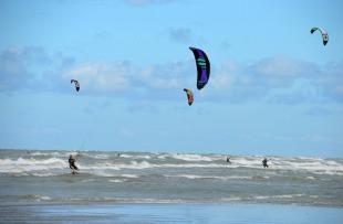 Kite Surfing in Kalpitiya