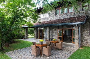 stonehouse2